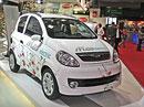 Paříž živě: Microcar M.GO electric - pomalu, ale za 80 euro centů na 100 km