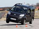 Citroën Nemo se převrátil při vyhýbacím manévru ADACu