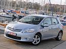 Toyota: Skladový Auris za 285.500,- Kč, Avensis Business Navi za 574.900,-Kč
