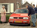 Video: Babička prodává Volkswagen Golf