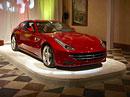 Ferrari FF v �R: Premi�ra na Pra�sk�m hrad�