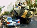 Starosta Vilniusu: Naše tanky si s luxusními auty poradí (video)