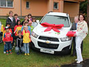 Chevrolet věnoval českým SOS vesničkám Spark, Aveo a dvě Captivy