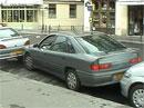 Parkování v Paříži: Zn. natěsno (video)