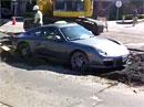 Jak dostat Porsche z mokrého betonu