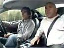 Video: Když řídí Damon Hill, je spolujezdci špatně od žaludku
