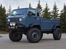 Jeep Mighty FC ve fascinujícím pouštním terénu (video)