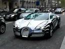 Bugatti Veyron L'Or Blanc jezdil v ulicích Paříže (video)