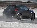 Video: Nissan Juke-R řádí na sněhu