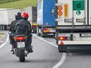 Anketa: Co vadí řidičům aut na motorkářích?