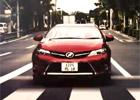 Nový Auris v další transsexuální reklamě. Dělá to Toyota schválně?