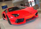 Lamborghini Aventador umí být řadovým šestiválcem, má i start-stop