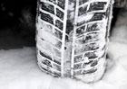 Zimní pneumatiky jsou od 1. listopadu na sněhu povinností