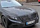 Spy Video: P��t� Mercedes S 65 AMG bude trochu jako Maybach