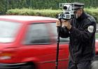 Policie změří rychlost na stovkách míst, které vybrali lidé