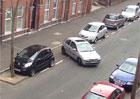 Video: Žena se desítky minut snaží zaparkovat