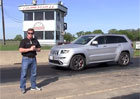 Jeep Grand Cherokee SRT8 Hennessey HPE650: Americké kladivo na X5 M (video)