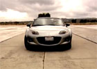 Reklamy, které stojí za to: Mazda MX-5 je nejrychlejší, když prší