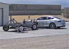 Elektromobil Tesla Model S je nejbezpečnějším autem v historii crash testů