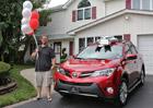 Toyota překvapila 50-miliontého zákazníka (Video)