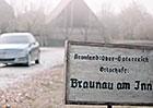 Video: Studentsk� reklama na Mercedes s mlad�m Hitlerem
