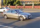Video: Mercedes-Benz S a sle�na report�rka na proj��ce Berl�nem