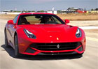 Video: Ferrari F12berlinetta ��d� na okruhu Laguna Seca