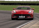 Video: Ferrari F12berlinetta, Chris Harris a pět sad pneumatik