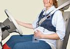Těhotná žena v autě: Co s ní?