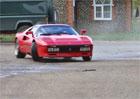 Video: Ferrari 288 GTO v nepochopiteln�ch j�zdn�ch situac�ch