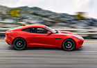 Jaguar F-Type kupé stojí od 1,85 milionu Kč, je o 192 tisíc levnější než roadster