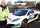 Britsk� policie nov� sedl� supersport McLaren MP4-12C Spider