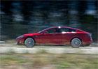 Tesla svolává do servisů téměř 30.000 vozů, mohou začít hořet