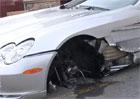Video: Mercedes-Benz SLR McLaren nezastav� ani ztr�ta p�edn�ho kola