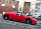Tesla p�ipravuje vylep�en� pro u� nevyr�b�n� Roadster