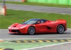 Ferrari LaFerrari XX v problémech na okruhu v Monze