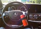 Video: Mercedes-Benz S um� ��dit zcela s�m, sta�� p�idat z�va��