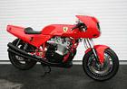 Míří Ferrari do jedné stopy? Vyvíjí motocyklový dvouválec!