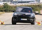 Porsche Macan zaváhalo při losím testu!