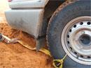 Video: Jak vytáhnout auto z písku či závěje, když nemáte naviják