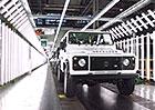 Land Rover Defender: Jak se vyrábí britský terénní klasik (video)