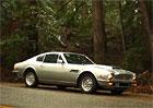 Aston Martin V8: St��brn� britsk� krasavec na videu od Petrolicious