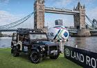 Video: Speciálně upravený Land Rover Defender převáží rugbyový pohár