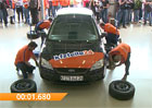 Video: Němci vytvořili nový rekord pro výměnu pneumatik na voze, zvládli to za 59 sekund