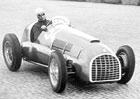 Juan Manuel Fangio: T�lo p�tin�sobn�ho mistra sv�ta F1 bude exhumov�no