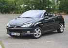Ojetý Peugeot 206 CC: Bez střechy za dva platy