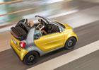 Smart Fortwo Cabrio se uk�e ve Frankfurtu, st�echu st�hne za 12 sekund