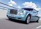 Rolls-Royce st�le zva�uje s�riov� elektromobil