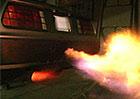 Z�vodn� DeLorean DMC-12 chrl� z v�fuk� plameny (video)