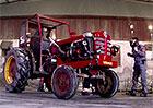 Video: Podívejte se, jak se dá driftovat s traktorem! Tedy, s turbotraktorem...
